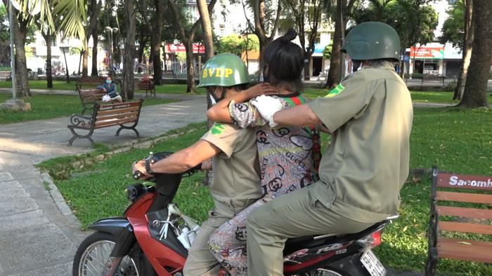 """TP Hồ Chí Minh: Giang tay """"ôm"""" những phận đời trong cơn đại dịch - Ảnh 4."""