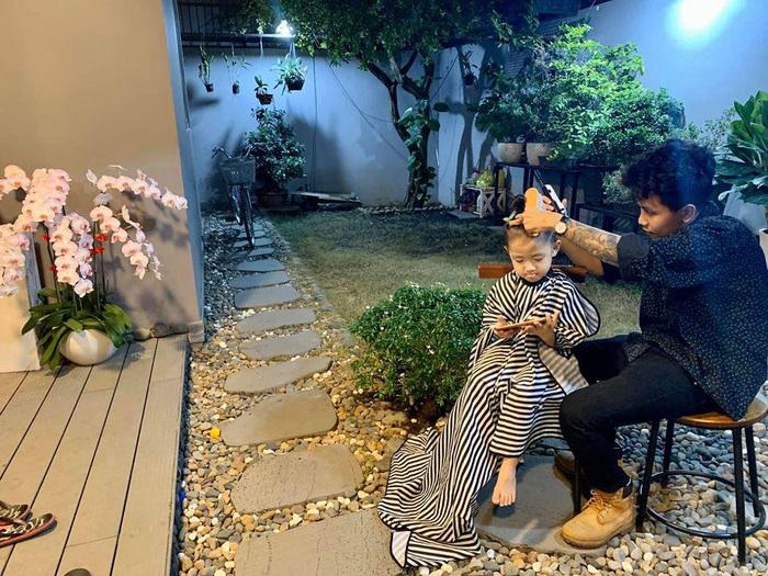 Ốc Thanh Vân đáp lời thắc mắc về việc cho con trai để tóc dài - Ảnh 9.