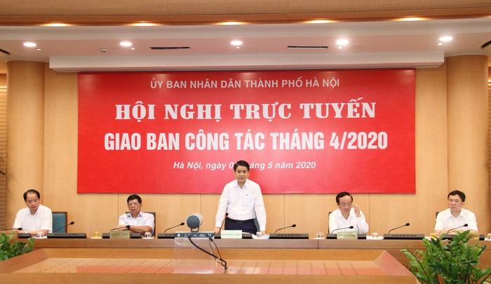 """Chủ tịch Hà Nội: """"Không chia giờ học, học sinh không cần đeo tấm chắn giọt bắn"""" - Ảnh 1."""