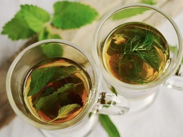 Cách pha chế 4 loại trà thảo mộc giúp giảm chướng bụng