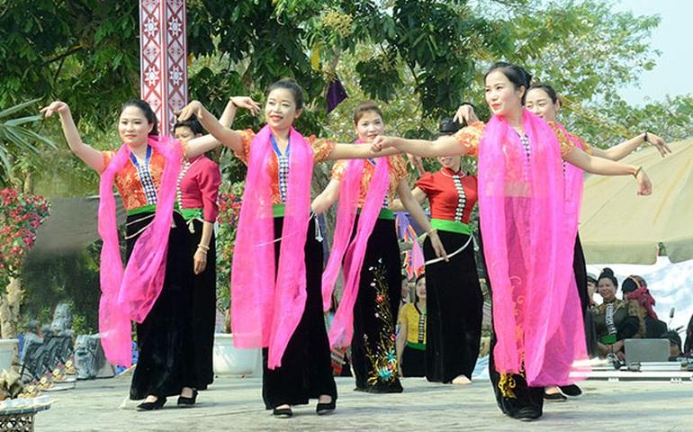 Người góp phần giúp làn điệu dân ca dân tộc Thái mãi vang xa