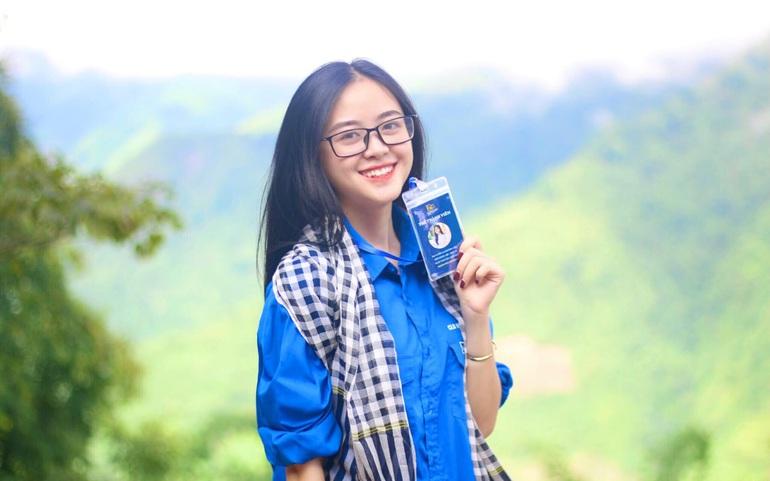 Dương Liễu trong chuyến tình nguyện mùa thu năm 2020 tại Yên Bái