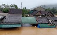 Nhiều địa phương ở Nghệ An ngập sâu, cô lập, người dân thiếu nhu yếu phẩm