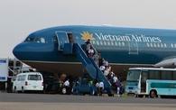Máy bay quay đầu vì khách lên cơn đau tim