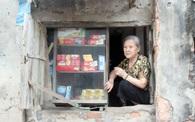 Cụ bà với quán tạp hóa hơn 60 năm lưu giữ thanh xuân của nhiều thế hệ