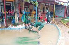 Quảng Bình: Người dân khẩn trương khắc phục hậu quả mưa lũ