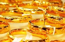 Giá vàng bắt đầu lao dốc, giới đầu tư bán tháo