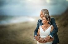 """Bộ ảnh cưới độc đáo khiến lớp trẻ phải """"chạy dài mới theo kịp"""""""