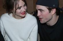 """""""Ma cà rồng"""" Robert Pattinson tận hưởng những ngày tháng bình yên bên bạn gái thứ 3"""