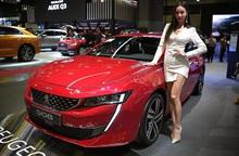 Loạt xe ô tô giảm giá tới 200 triệu đồng trong tháng 7