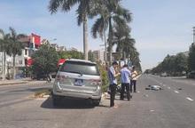 Bé gái 15 tuổi bị xe biển xanh của Tỉnh ủy Nghệ An tông văng ra đường đang chờ kết quả kiểm tra não