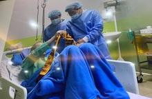 Phi công người Anh nhiễm COVID-19 xuất viện, phát hiện 14 trường hợp nhiễm mới