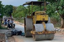 Một nữ công nhân cầu đường bị xe lu cán tử vong
