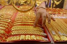 Thị trường tăng nhẹ, giá vàng trong nước đang cao hơn thế giới 2,4 triệu đồng.