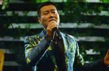 Ca sĩ Tuấn Phương đang nguy kịch, giới nghệ sĩ kêu gọi ủng hộ