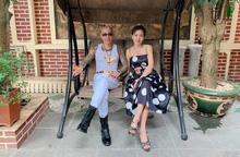 Vợ chồng Phú Lê bị tố cho đàn em đánh người đang mắc bệnh thần kinh