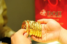Vàng rớt giá, thời cơ tốt để giới đầu tư gom vàng đã đến