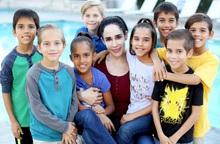 Người mẹ sinh 8 con cùng lúc gây kinh ngạc dư luận 12 năm trước giờ ra sao?
