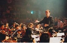 Chuyện ít người biết: Nhạc sĩ Thanh Tùng từng mở trại trẻ mồ côi