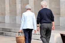 """Ly hôn tuổi trung niên: Sự """"dừng chân"""" nhiều băn khoăn"""