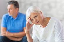 Ly hôn tuổi trung niên: Xu hướng tích cực hay tiêu cực?