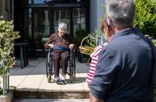 """Hoa Kỳ: Người cao tuổi cô đơn trong """"vòng tay"""" bảo vệ của xã hội"""