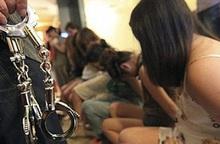 Buôn bán trẻ em ở Nam Định: Các nạn nhân được đi làm đẹp, mua điện thoại trước khi bị bán vào quán karaoke