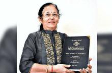 Người phụ nữ nhận bằng tiến sĩ ở tuổi 67