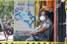 """TPHCM hỗ trợ đời sống, y tế để người dân an tâm """"ai ở đâu ở đấy"""""""