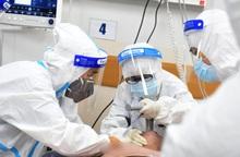 Ở nơi níu kéo sự sống cho bệnh nhân Covid-19 nặng