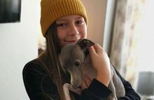 Cậu bé 12 tuổi tự coi mình là con gái từ năm 3 tuổi và trở thành người chuyển giới trẻ nhất nước Anh