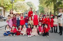 CLB Kids Angel mang Noel xuống phố khuấy động Ngày hội Mottainai 2019