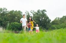Mẹ có biết: Thiên nhiên giúp bé yêu phát triển toàn diện thế nào?