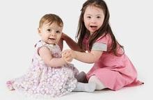 Cô bé 4 tuổi mắc bệnh Down trở thành người mẫu nhí