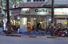"""""""Khu phố Hàn"""" tại TPHCM vắng lặng, hàng quán ế ẩm, cư dân ngại tiếp xúc với người lạ"""