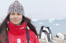 Nỗ lực bảo tồn động vật hoang dã, cô gái 17 tuổi được phong Tiến sĩ danh dự