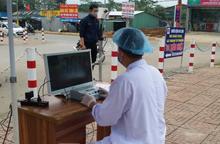 """Bệnh viện ở Nghệ An """"sáng chế"""" máy đo thân nhiệt từ xa phục vụ phòng, chống dịch COVID-19"""