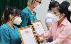 Tri ân các tình nguyện viên tôn giáo hỗ trợ tuyến đầu chống dịch