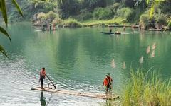Vụ lật thuyền khiến 4 học sinh đuối nước ở Hà Giang: Nỗi đau người ở lại