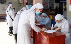 Hơn 1.000 tăng ni, phật tử và tu sĩ Công giáo tình nguyện tham gia chống dịch Covid-19