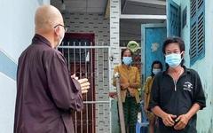 Phật giáo Long An tích cực hỗ trợ phụ nữ, trẻ em bị ảnh hưởng bởi dịch Covid-19