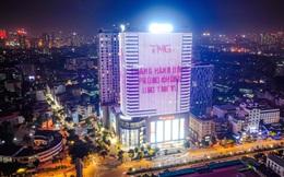 Màu hồng phủ nhiều tòa nhà cao tầng chia sẻ với bệnh nhân ung thư vú