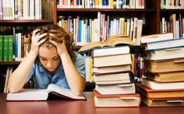 """Cha mẹ mệt mỏi vì con phải học thêm """"ngoại giao"""""""