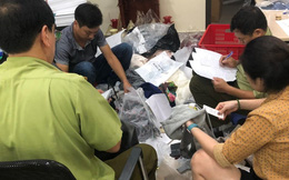 """Bắt quả tang cơ sở ở Hà Nội đang """"hô biến"""" hàng Trung Quốc thành hàng hiệu"""