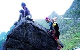 """Những đứa trẻ """"mộc mạc"""" trên Công viên địa chất toàn cầu – Cao nguyên đá Đồng Văn"""
