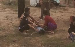 Hưng Yên: Rủ nhau đi tắm ao, 2 bé trai đuối nước thương tâm