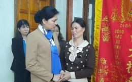 Chủ tịch Hội LHPN Việt Nam thăm hỏi thân nhân liệt sĩ, phụ nữ, trẻ em bị ảnh hưởng bởi bão lụt ở Quảng Trị