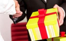 Ban Bí thư yêu cầu không chúc Tết cấp trên và nghiêm cấm tặng quà lãnh đạo