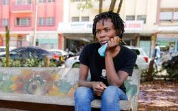 """Quặn lòng trước nỗi đau """"lạc con"""" của những bà mẹ đường phố Kenya"""
