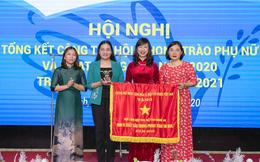 Hội LHPN tỉnh Nghệ An đón nhận Cờ thi đua của Chính phủ